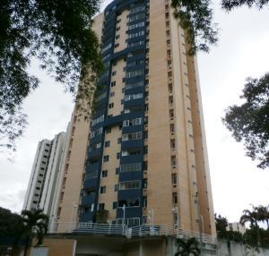 Apartamento En Ventaen Valencia, Valles De Camoruco, Venezuela, VE RAH: 20-3904