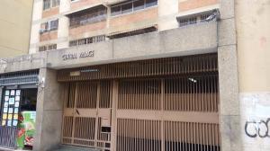 Apartamento En Ventaen Caracas, Parroquia La Candelaria, Venezuela, VE RAH: 20-4624