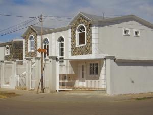Casa En Ventaen Coro, Centro, Venezuela, VE RAH: 20-3910