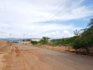 Terreno En Ventaen Coro, Intercomunal Coro La Vela, Venezuela, VE RAH: 20-3944