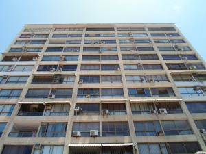 Apartamento En Ventaen La Guaira, Los Corales, Venezuela, VE RAH: 20-4095