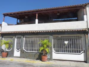 Casa En Ventaen Turmero, El Macaro, Venezuela, VE RAH: 20-4134