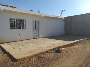 Casa En Ventaen Coro, Centro, Venezuela, VE RAH: 20-4211