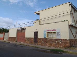 Casa En Ventaen Coro, Sector San Jose, Venezuela, VE RAH: 20-4227