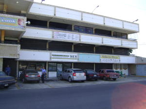 Local Comercial En Alquileren Municipio San Francisco, Zona Industrial, Venezuela, VE RAH: 20-4260