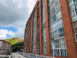 Apartamento En Ventaen Caracas, El Encantado, Venezuela, VE RAH: 20-4301