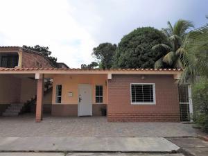 Casa En Ventaen Municipio San Diego, Villas Laguna Club, Venezuela, VE RAH: 20-4266