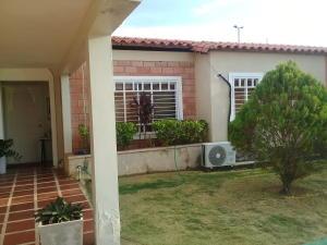 Casa En Alquileren Ciudad Ojeda, La 'l', Venezuela, VE RAH: 20-4277