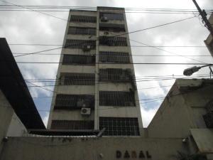 Apartamento En Ventaen Caracas, Parroquia La Candelaria, Venezuela, VE RAH: 20-4295