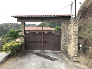 Townhouse En Ventaen Caracas, Colinas De Caicaguana, Venezuela, VE RAH: 20-4300