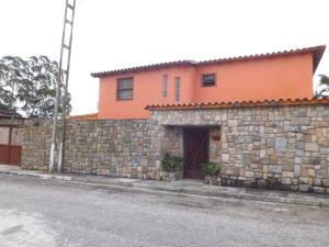 Casa En Ventaen Municipio Naguanagua, La Entrada, Venezuela, VE RAH: 20-4321