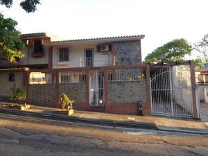 Casa En Ventaen Valencia, Trigal Norte, Venezuela, VE RAH: 20-4341