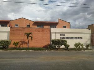 Townhouse En Ventaen Municipio San Diego, Sansur, Venezuela, VE RAH: 20-4353