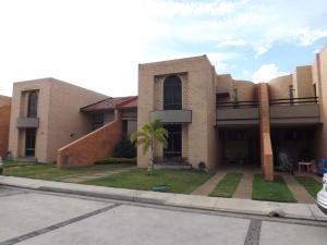 Townhouse En Ventaen Valencia, Las Clavellinas, Venezuela, VE RAH: 20-4363