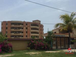 Apartamento En Ventaen Tucacas, Tucacas, Venezuela, VE RAH: 20-4367