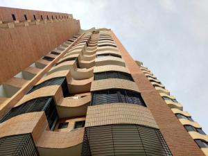 Apartamento En Ventaen Valencia, La Trigaleña, Venezuela, VE RAH: 20-4376