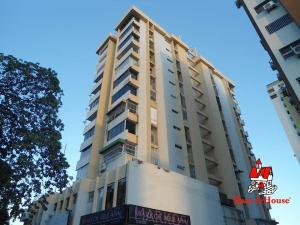 Apartamento En Ventaen Maracay, Andres Bello, Venezuela, VE RAH: 20-4423