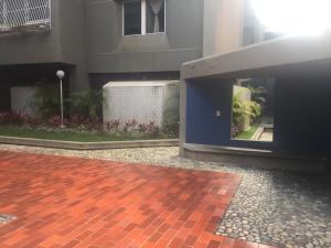 Apartamento En Ventaen Caracas, Los Palos Grandes, Venezuela, VE RAH: 20-4426