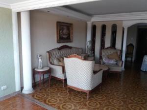 Apartamento En Ventaen Maracaibo, Santa Maria, Venezuela, VE RAH: 20-4434
