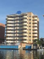 Apartamento En Ventaen Higuerote, Puerto Encantado, Venezuela, VE RAH: 20-4435