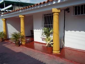 Casa En Ventaen Municipio Diego Ibarra, Mariara, Venezuela, VE RAH: 20-4455