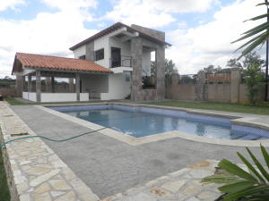 Casa En Ventaen Municipio Libertador, Santa Paula, Venezuela, VE RAH: 20-4457