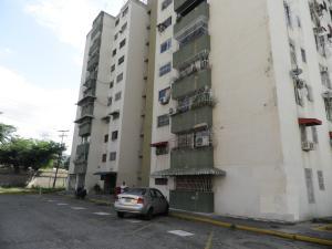 Apartamento En Ventaen Municipio Los Guayos, Los Guayos, Venezuela, VE RAH: 20-4467