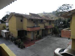 Townhouse En Ventaen Municipio Naguanagua, La Entrada, Venezuela, VE RAH: 20-4496