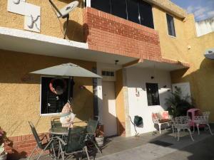 Townhouse En Ventaen Municipio Naguanagua, La Entrada, Venezuela, VE RAH: 20-4508