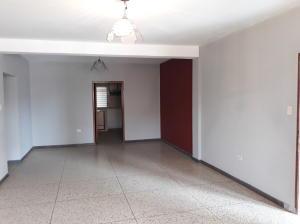 Apartamento En Alquileren Ciudad Ojeda, Calle Merida, Venezuela, VE RAH: 20-4550
