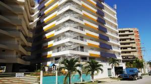 Apartamento En Ventaen Higuerote, Puerto Encantado, Venezuela, VE RAH: 20-4564