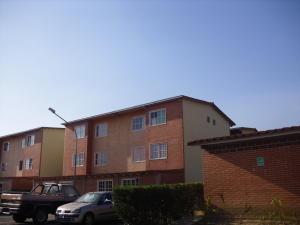 Apartamento En Ventaen Guatire, Alto Grande, Venezuela, VE RAH: 20-4609