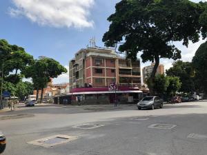 Apartamento En Ventaen Caracas, El Paraiso, Venezuela, VE RAH: 20-4619