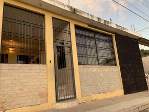 Casa En Ventaen Municipio Libertador, Los Cardones, Venezuela, VE RAH: 20-4648