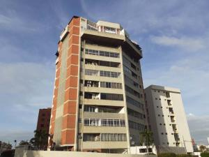 Apartamento En Ventaen Maracaibo, La Lago, Venezuela, VE RAH: 20-4655
