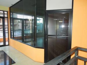 Local Comercial En Ventaen El Tigre, Centro, Venezuela, VE RAH: 20-4678