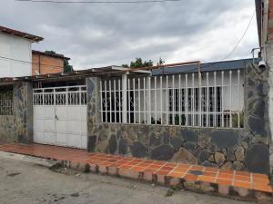Casa En Ventaen Maracay, Las Delicias, Venezuela, VE RAH: 20-4814