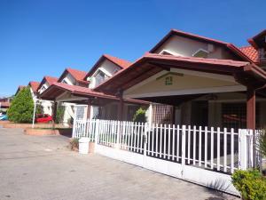 Townhouse En Ventaen La Victoria, Morichal, Venezuela, VE RAH: 20-4745
