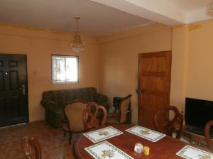 Casa En Ventaen Coro, Sector Sur La Paz, Venezuela, VE RAH: 20-4774