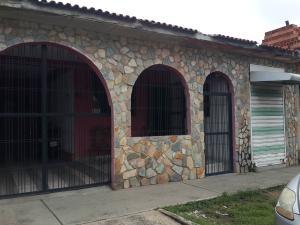 Casa En Ventaen Valencia, La Florida, Venezuela, VE RAH: 20-4790