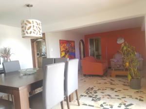 Apartamento En Ventaen Maracaibo, 5 De Julio, Venezuela, VE RAH: 20-4805