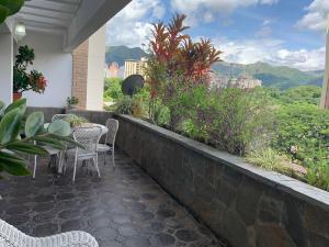 Apartamento En Ventaen Valencia, Valles De Camoruco, Venezuela, VE RAH: 20-4834