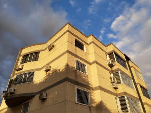 Apartamento En Ventaen Maracay, La Morita, Venezuela, VE RAH: 20-4838
