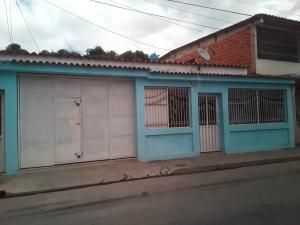 Casa En Ventaen Valencia, Avenida Las Ferias, Venezuela, VE RAH: 20-4873