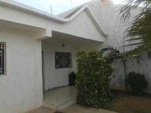 Casa En Ventaen Punto Fijo, Puerta Maraven, Venezuela, VE RAH: 20-4885