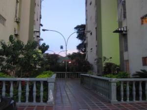 Apartamento En Ventaen Turmero, Zona Centro, Venezuela, VE RAH: 20-4896