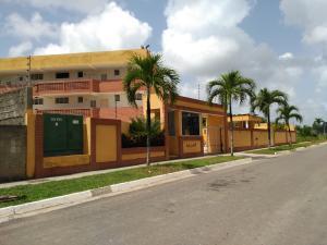 Apartamento En Ventaen Higuerote, Puerto Encantado, Venezuela, VE RAH: 20-4920