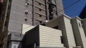 Apartamento En Ventaen Margarita, Avenida 4 De Mayo, Venezuela, VE RAH: 20-5594