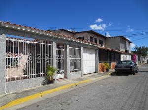 Casa En Ventaen Turmero, Parque Residencial Araguaney Ii, Venezuela, VE RAH: 20-5050