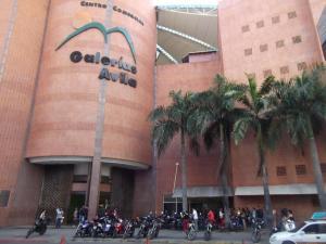 Local Comercial En Ventaen Caracas, San Bernardino, Venezuela, VE RAH: 20-5538